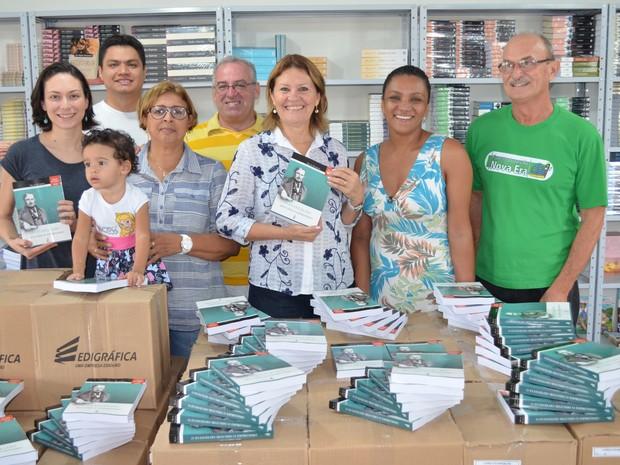 Diretores da Federação Espírita Roraimense no lançamento da edição histórica do livro O Evangelho Segundo o Espiritismo (Foto: Rodrigo Menaros / G1 RR)