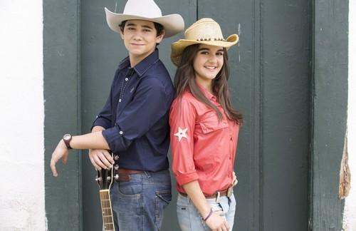 Foto (Foto: Rafael Gevú e Maitê Padilha são Rodolfo e Gaby na novelinha 'Gaby Estrella'. Foto: Gloob/Divulgação)