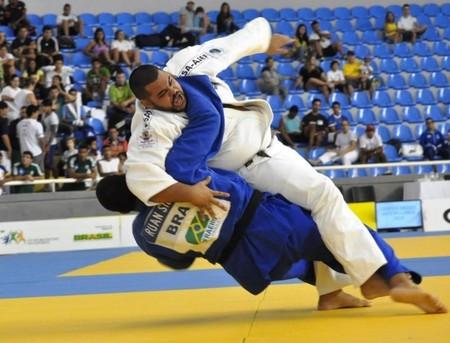 Francinaldo Segundo no Troféu Brasil (Foto: Divulgação/CBJ)
