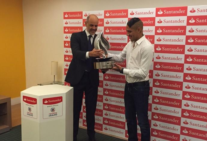 Guerrero prêmio Copa América (Foto: Cadu Machado - Master Sports & Mkt)