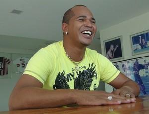 Aloísio Chulapa em casa, na cidade de Atalaia-AL (Foto: Denison Roma / Globoesporte.com)