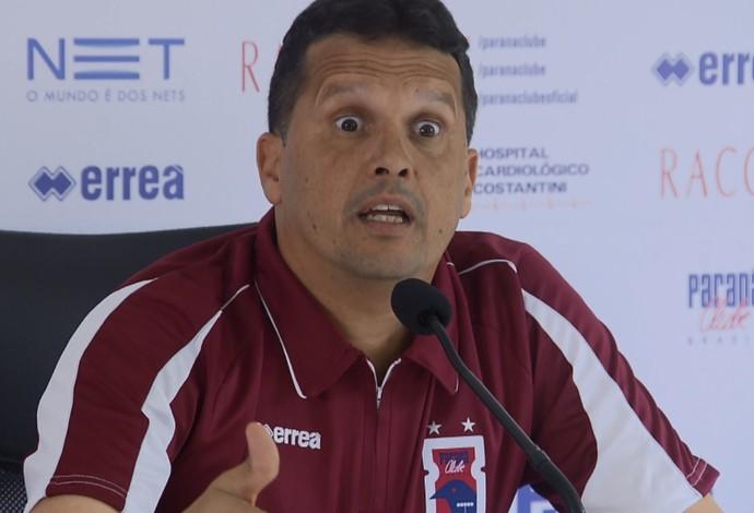 Técnico Claudinei Oliveira do Paraná Clube (Foto: Reprodução/RPC TV)