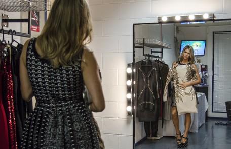 Para chegar a esse equilíbrio, Fernanda contou com a ajuda do stylist Rodrigo Grunfeld, que a acompanha há 12 anos e que deu início a um garimpo de peças exclusivas para a atração Ellen Soares/ TV Globo