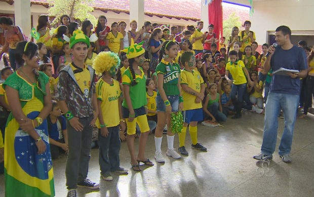 Concurso de melhor vestimenta verde e amarelo (Foto: Reprodução/TV Amapá)