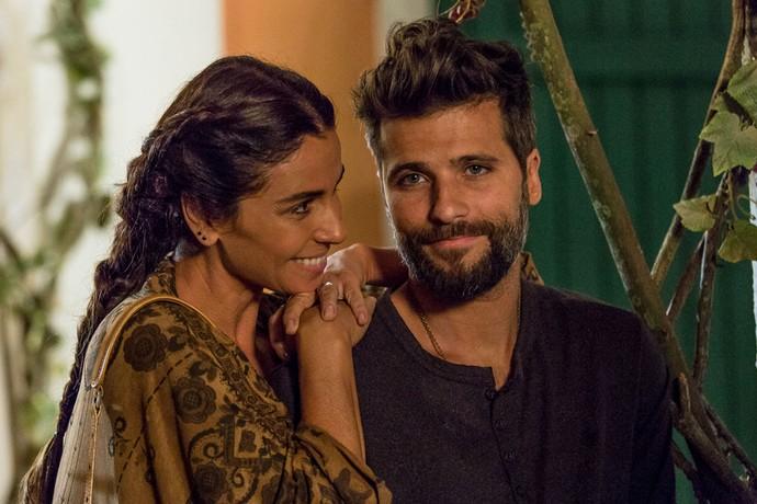Giovanna Antonelli e Bruno Gagliasso interpretam os amigos Alice e Mario (Foto: Artur Meninea/Gshow)