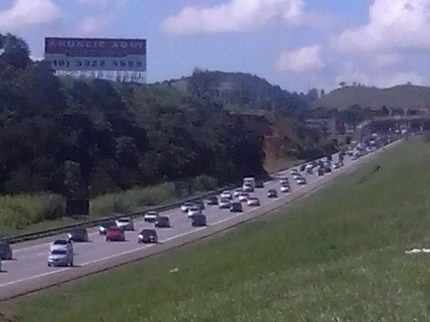 Concessionária espera mais de 630 mil veículos até segunda-feira (Foto: Polícia Rodoviária/Divulgação)