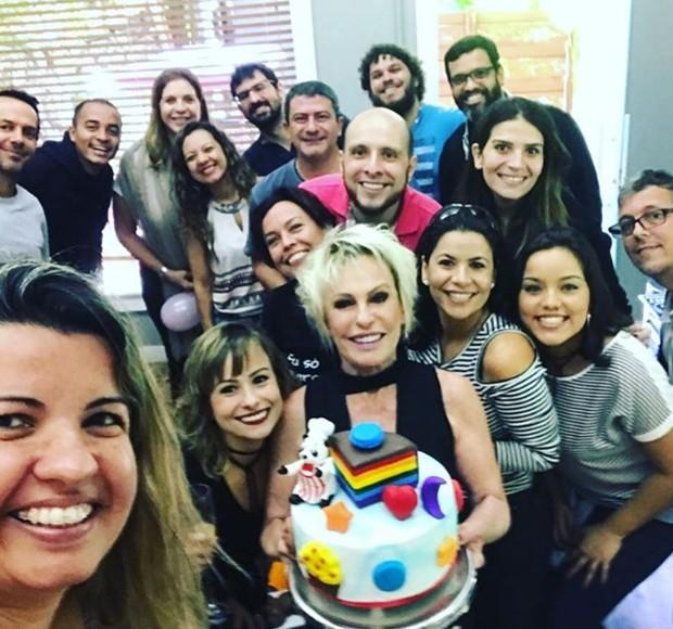 Festinha surpresa de Ana Maria Braga (Foto: Reprodução/Instagram)