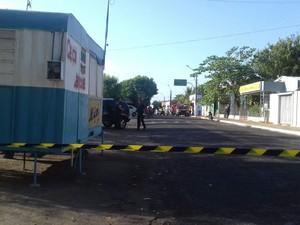 Rua da agência bancária foi interditada na manhã desta sexta-feira (18) (Foto: Jurandir Viana/Camelo no Rádio)
