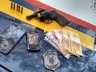 Dupla suspeita de assaltos é presa em matagal na BR-262 em Araújos