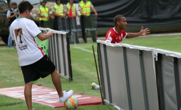 Emelec x Internacional Ernando (Foto: Diego Guichard/GloboEsporte.com)