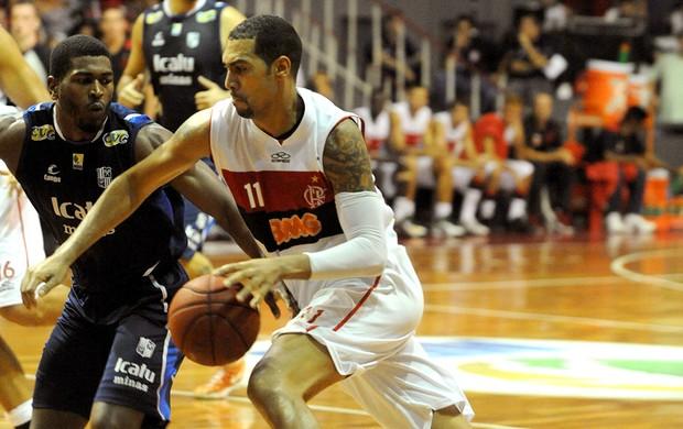 Marquinhos na partida de basquete do Flamengo contra o Minas (Foto: Alexandre Vidal / Fla Imagem)