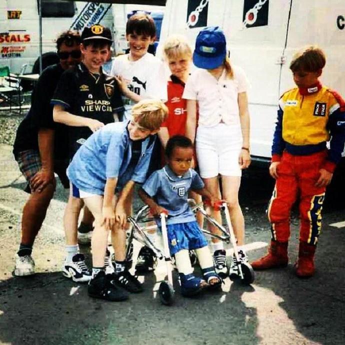 Nicolas Hamilton quando criança (Foto: Reprodução/Twitter)