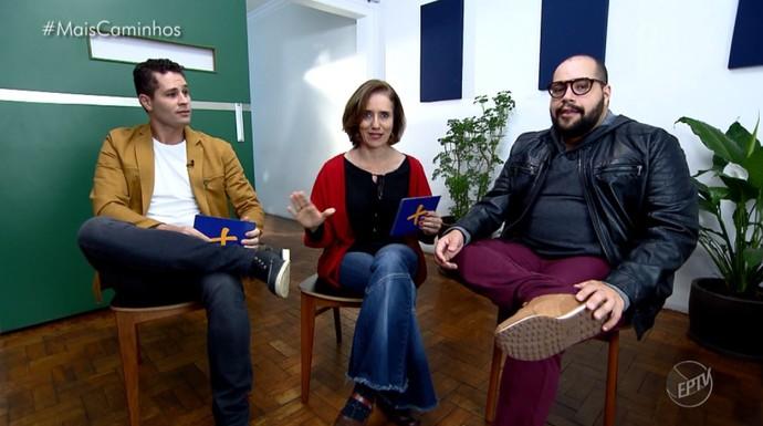Pedro Leonardo e Edlaine Garcia batem um papo com o artista Tiago Abravanel (Foto: reprodução EPTV)