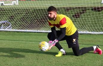 Em treino fechado, Argel promove trabalho voltado para posse de bola