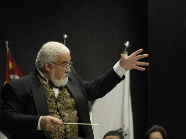 Maestro Roberto Farias tem trabalho reconhecido no exterior (Foto: Divulgação/ Prefeitura Municipal de Cubatão)