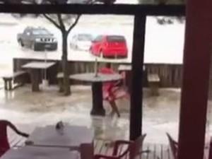Tsunami meteorológico atingiu Balneário Rincão (Foto: Reprodução/RBS TV)