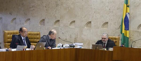 Ministros do STF discutem sobre artigos da Constituição que tratam da perda de mandato (Foto: Gervásio Baptista/SCO/STF)