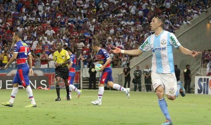 Gol de juba, macaé x fortaleza (Foto: Tiago Ferreira)
