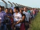 Candidatos formam gigantesca fila em busca de vaga em usina em Rio Preto