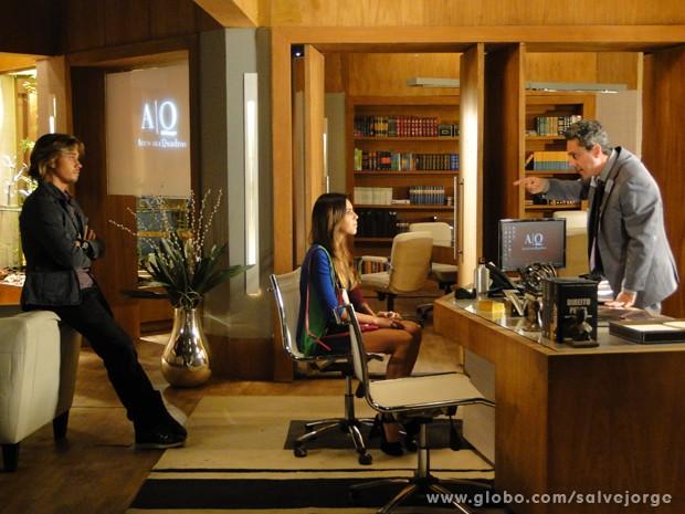 Stenio pressiona Drika e Pepeu e descobre que eles estavam vendendo drogas (Foto: Salve Jorge/TV Globo)
