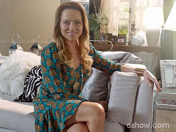 Linda e sofisticada, Shirley está sempre muito bem penteada. Copie o look!  (Foto: Em Família/TV Globo)