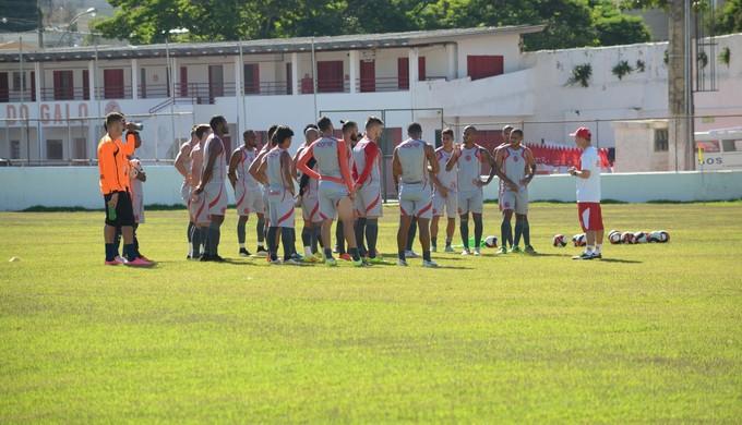 Tricordiano é punido mais uma vez por falta de pagamento de arbitragem no Mineiro (Foto: Régis Melo)