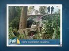 Homem morre após esposa bater carro contra árvore em Areado, MG