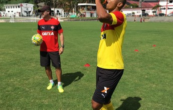 """Henrique assina contrato, mas forma física está """"longe do ideal"""", diz Mancini"""