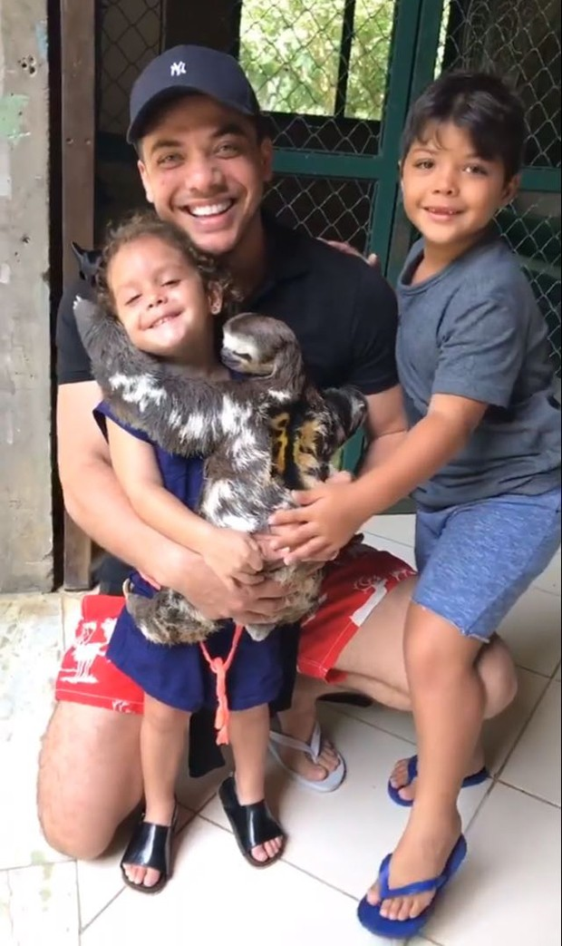 Wesley Safadão com os filhos (Foto: Reprodução/Instagram)