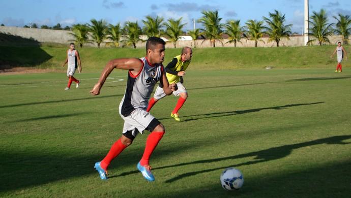 Glaubinho, lateral-direito do Globo FC (Foto: Jocaff Souza/GloboEsporte.com)