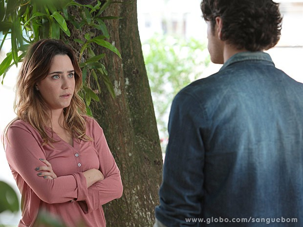 Malu fica feliz com a decisão de Bento (Foto: Sangue Bom / TV Globo)