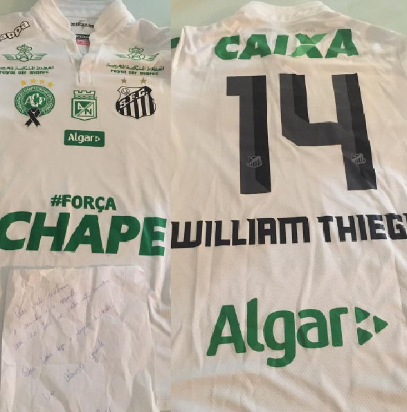 BLOG: David Braz envia camisa de homenagem do Santos à Chape para esposa de Thiego