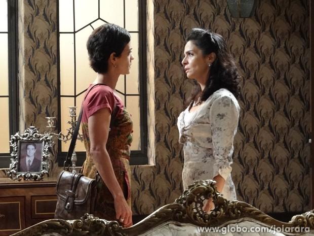 Agora é guerra! Gaia promete entrar na Justiça e deixa Laura apavorada (Foto: Joia Rara/TV Globo)