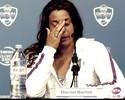 Atual campeã de Wimbledon, Bartoli anuncia aposentadoria e cai no choro
