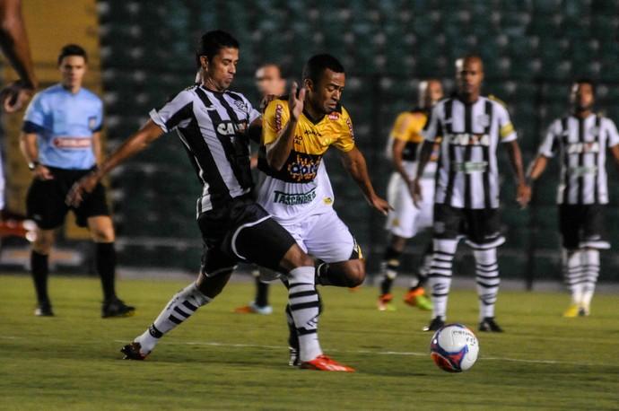 Figueirense x Criciúma (Foto: Eduardo Valente/APP/Folhapress)