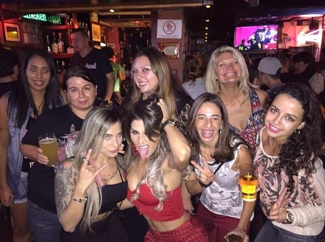 Vanessa Mesquita e amigas (Foto: Reprodução/Instagram)