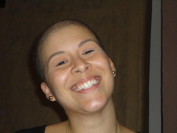 Priscila foi careca após o tratamento contra o câncer de mama (Foto: Arquivo Pessoal)