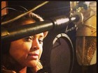Preta Gil grava nova música de abertura do 'Caldeirão do Huck'