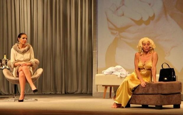 Espetáculo tem a atriz Danielle Winits no papel de Marilyn Monroe (Foto: Indiara Bessa/ G1 AM)
