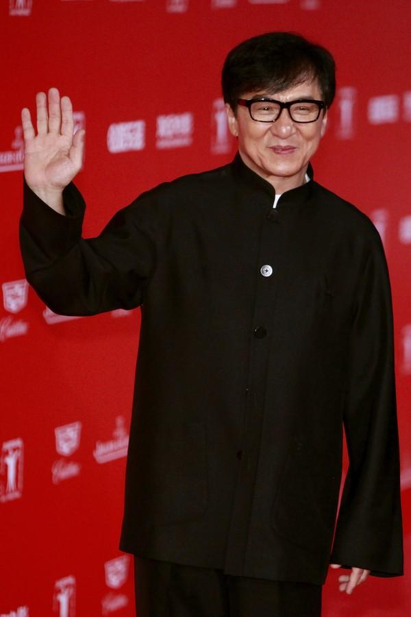 Até o Jackie Chan já filmou uma cenas de sexo (Foto: Getty Images)