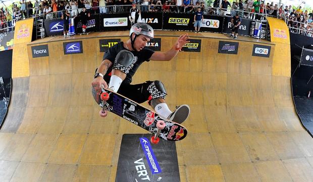 pedro Barros skate vert jam (Foto: Fernando Soutello/AGIF)