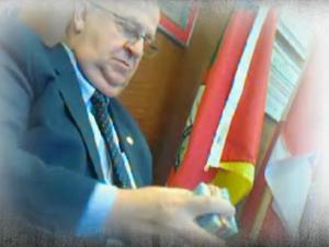 Assembleia Dr. Basegio fraude reportagem Giovani Grizotti  (Foto: Reprodução/RBS TV)