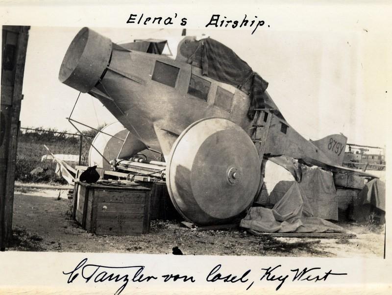 O avião convertido em laboratório (Foto: Florida Public Library)