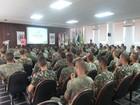 Oficiais do Exército são treinados para a guerra contra o Aedes aegypti
