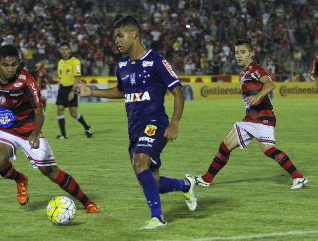 Alisson Cruzeiro na partida contra o Campinense