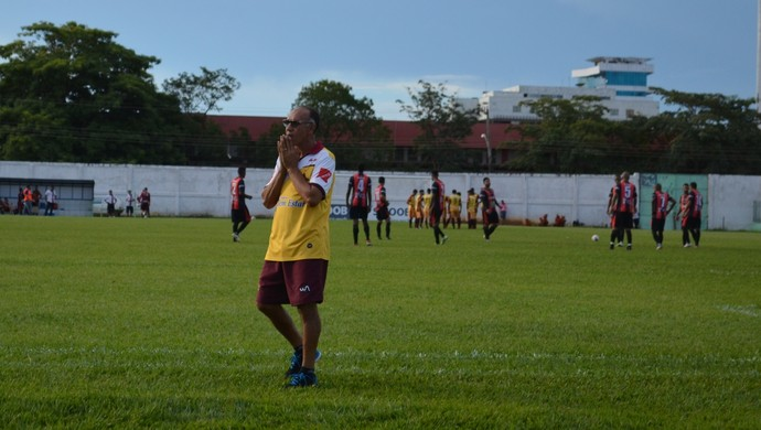 Mirandinha afirma que time do Genus é ingênuo  (Foto: Lívia Costa)