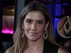 Deborah Secco brilha com diamantes durante premiação de cinema no Rio