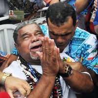 Integrantes choram após conquista do título (Alexandre Durão/G1)