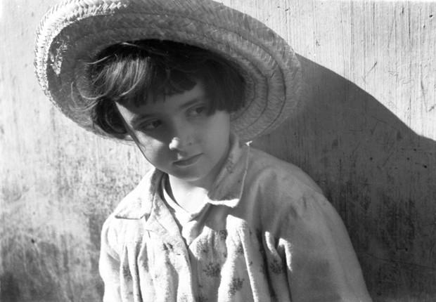 'Essa foto já rodou o mundo', disse Baptista sobre a imagem de uma de suas filhas feita em 1955. (Foto: Wilson Baptista/Divulgação)