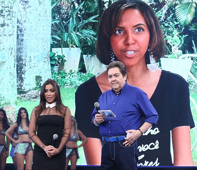 Anitta fica emocionada com depoimento da amiga Natália Santos  (Foto: Carol Caminha/Gshow)